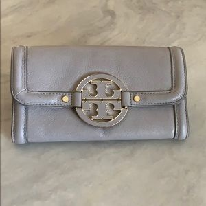 Tory Burch beautiful Gray/Gold Wallet
